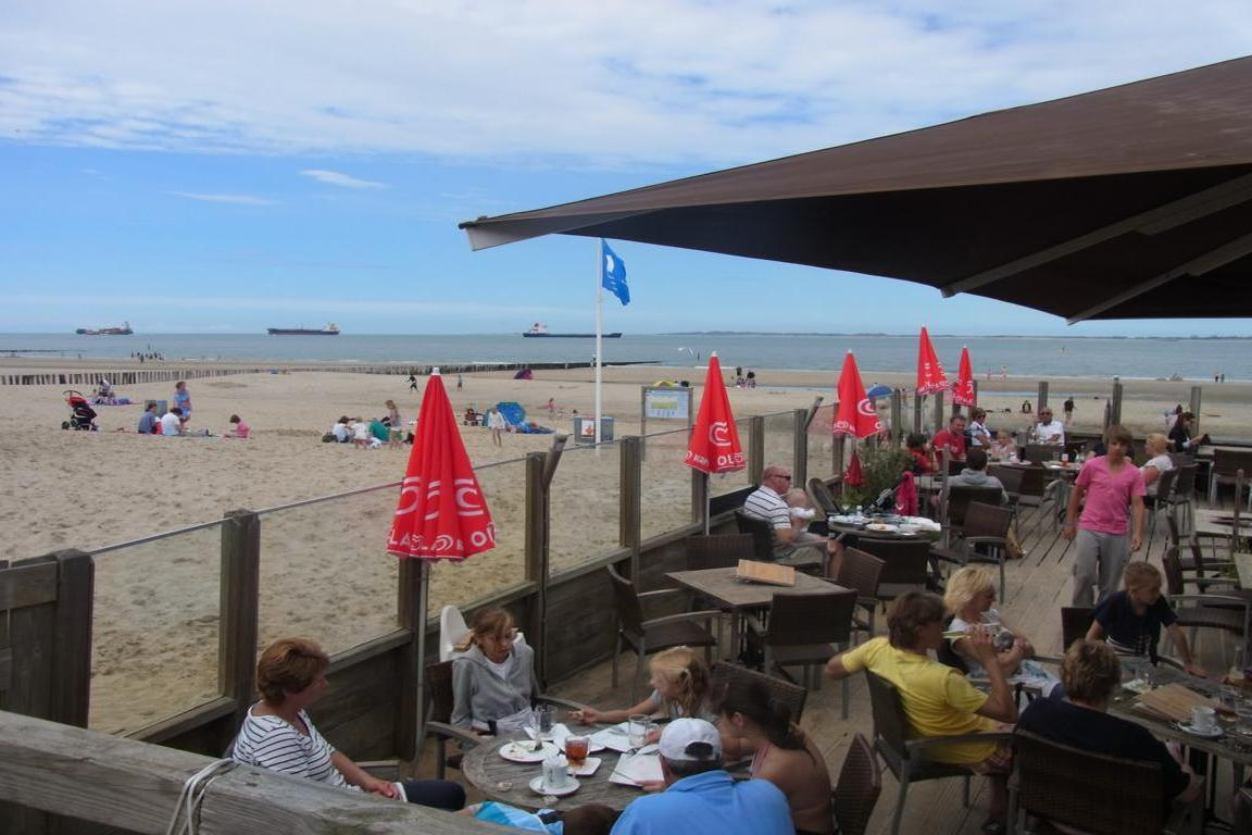 Breskens - Strandpavillon Het halve Maentje