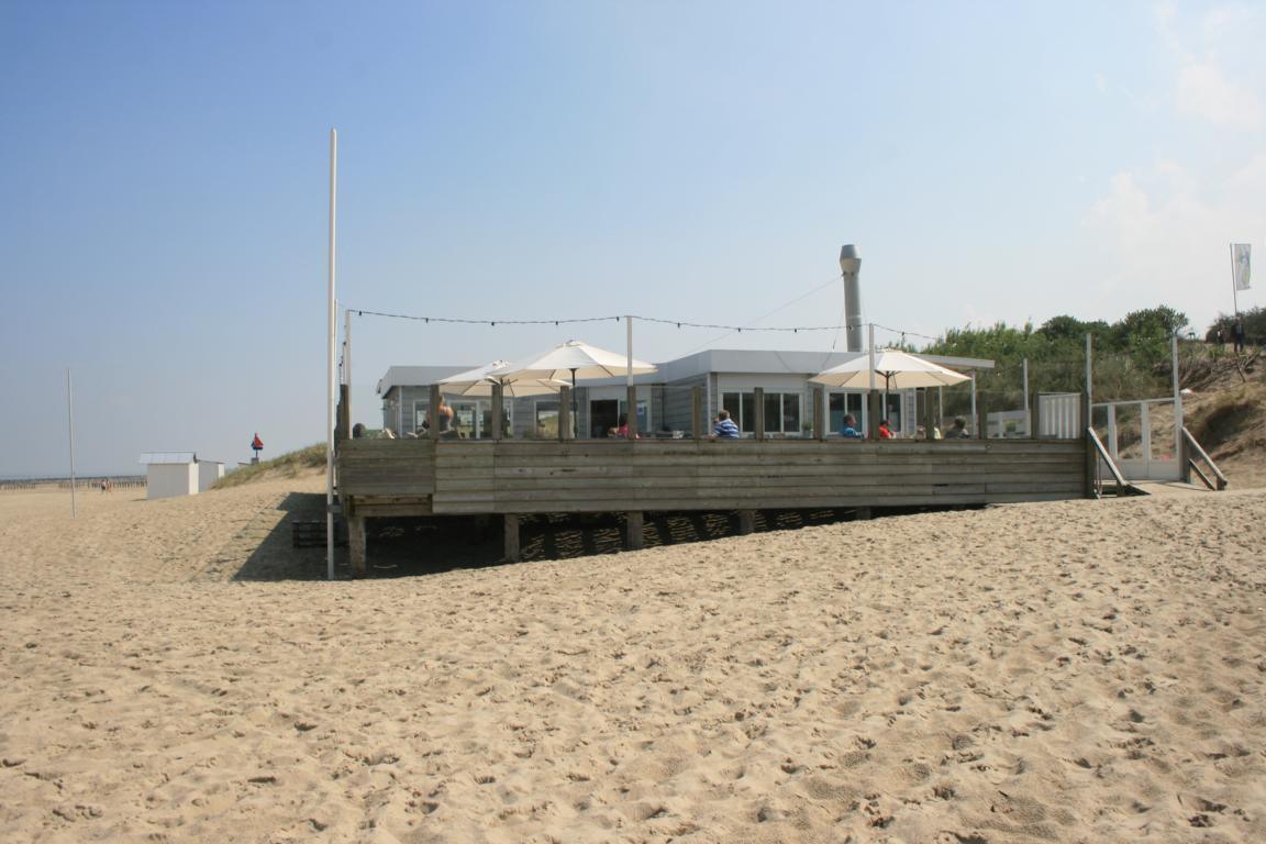 Breskens - Strandpavillon Loods Tien