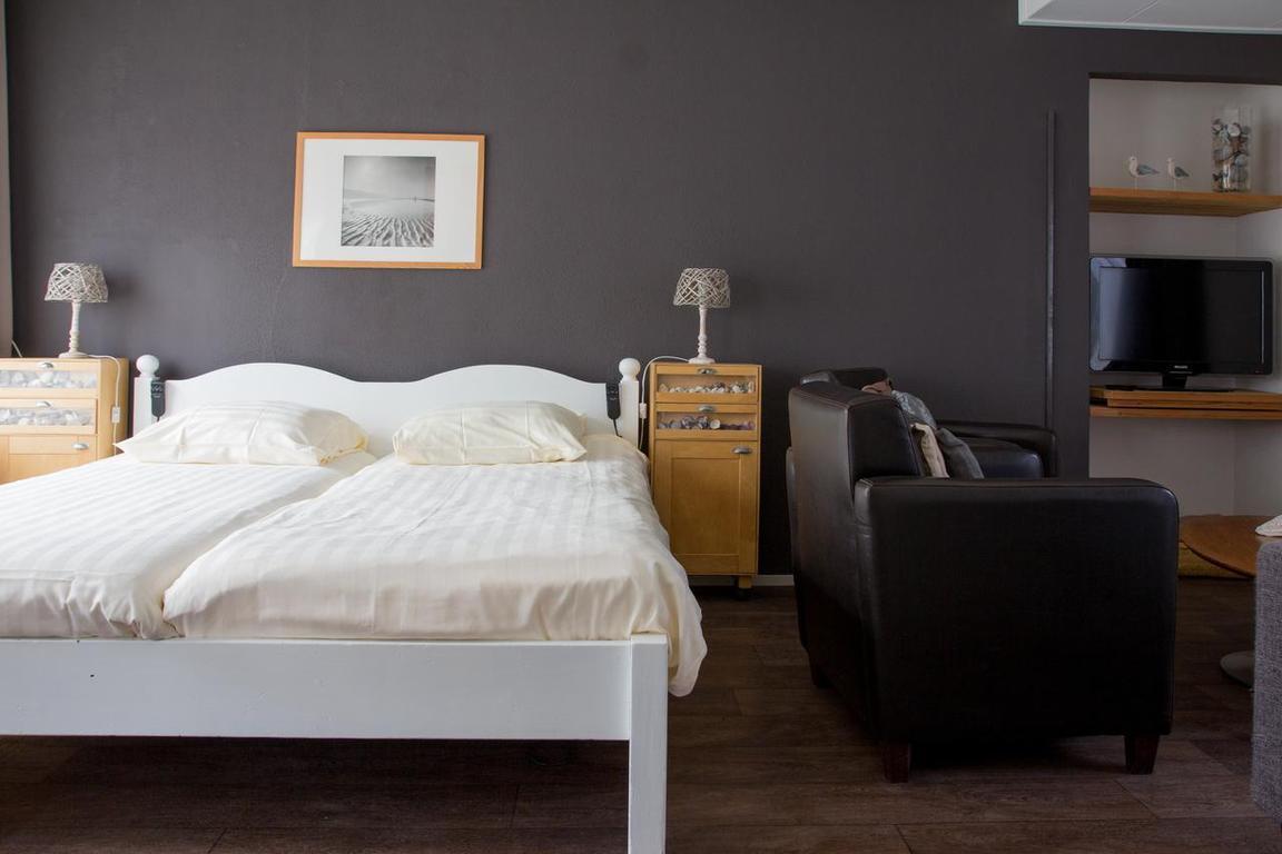 Cadzand-Dorp - Hotel Bruist
