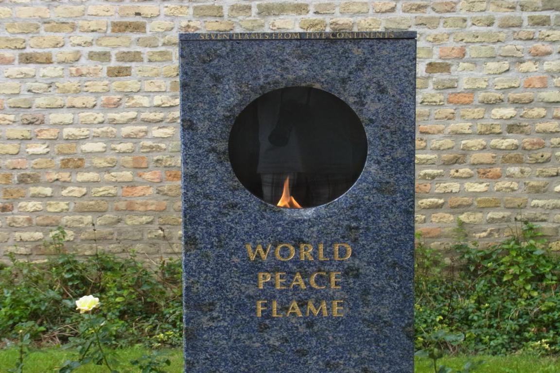Cadzand - Weltfriedensflamme