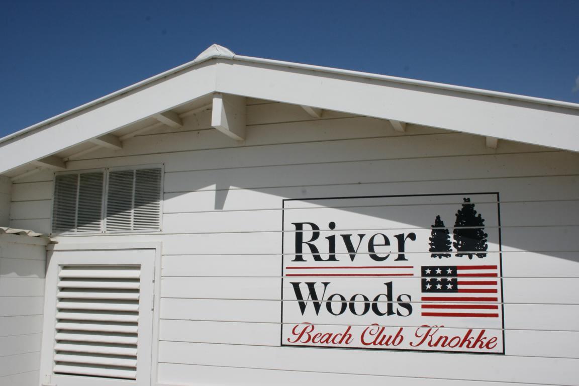 Kiten & Wellenreiten im River Woods Beach Club, Knokke-Heist