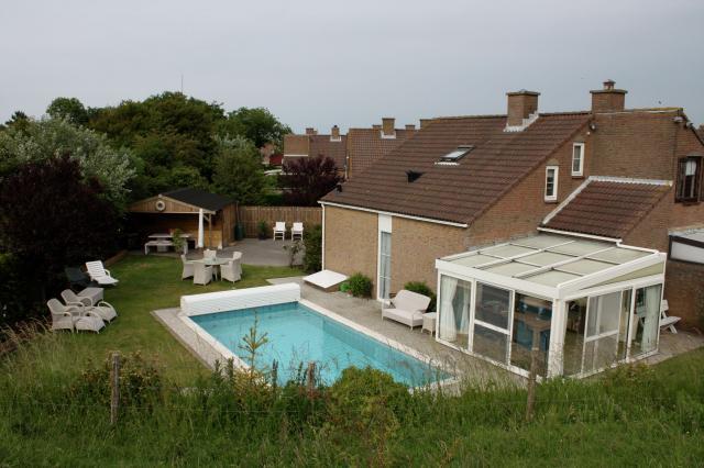 Vakantiehuisje met zwembad en buitenkeuken Zomerdorp Het Zwin