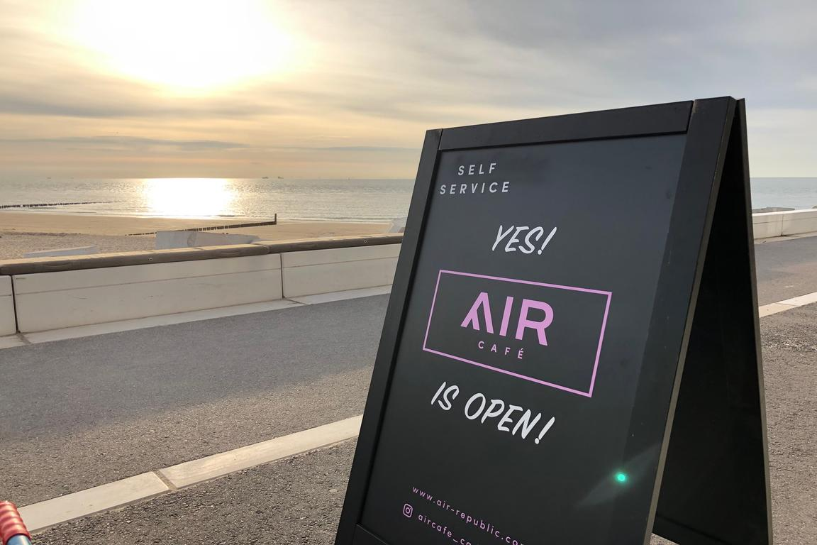 """AIRcafé`` - Terrasse & Take-Away"
