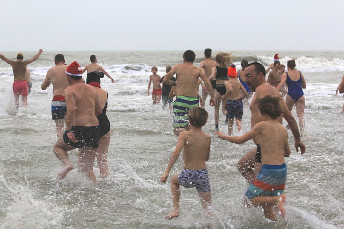 Neujahrsanbaden Cadzand-Bad