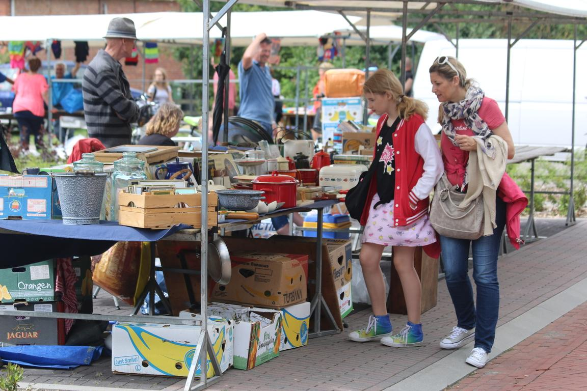 Sommermarkt Cadzand-Dorf